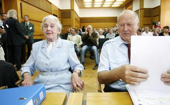 Collegium-Humanum-bleibt-verboten_ArtikelQuerKlein